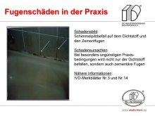 Fugenschäden in der Praxis: Schimmelpilzbefall auf dem Dichtstoff und den Zementfugen