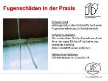 Fugenschäden in der Praxis: Haftungsverlust des Dichtstoffs nach einer Fugenüberarbeitung im Sanitärbereich.